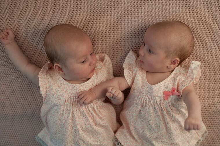 外国人の女の子の双子