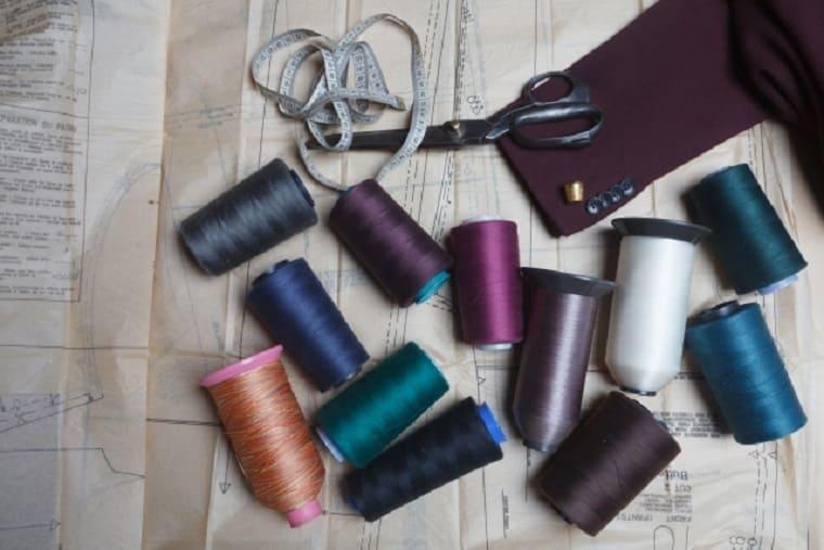 糸と仕立て道具