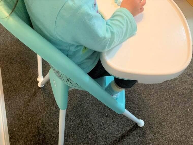 テーブルの位置と子供の適正な間隔