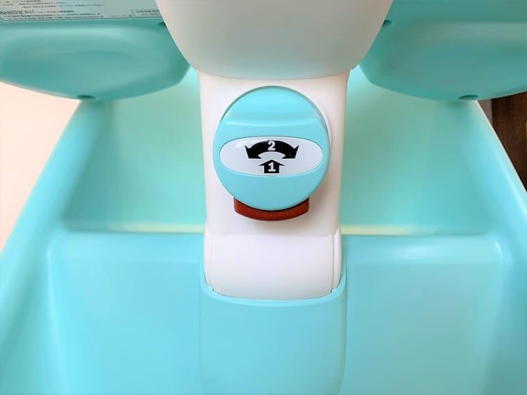 ベビービョルンのハイチェアのロックボタン