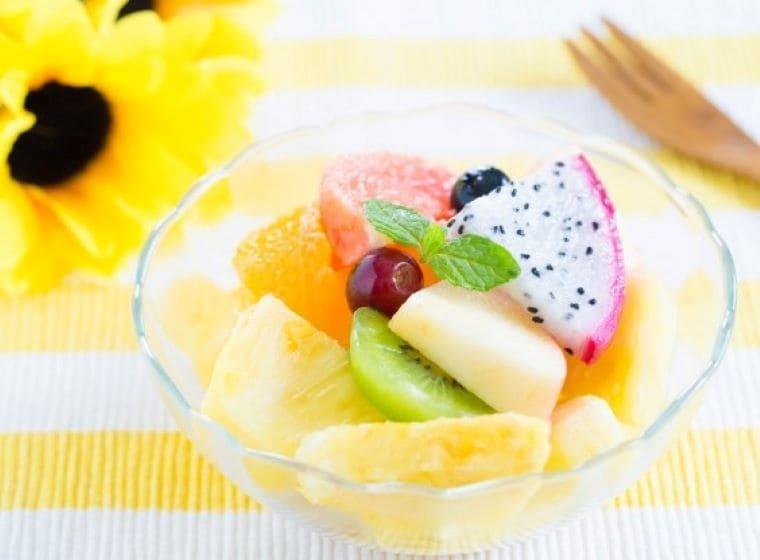 パイナップル・キウイ・ドラゴンフルーツの盛り合わせ